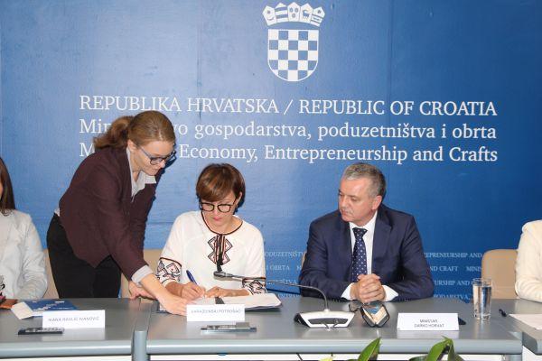 /public/potpisivanje ugovora s udrugama 8.jpg
