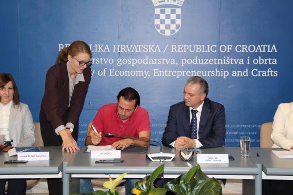 /public/potpisivanje ugovora s udrugama 9.jpg